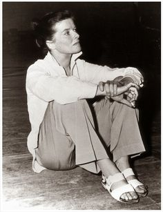 Katarine Hepburn: crisp white shirt, khakis and sandals, basically the look of spring/summer 2015.
