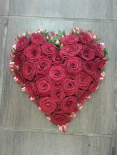 Heart of all red naomi roses
