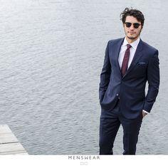 Viero Milano, mørk blå dress Super 120's 👌  #menswear #menswear_no #mensfashion #oslo #hegdehaugsveien #bogstadveien #tjuvholmen #lysaker #dress #jobb #jobbklær  #fest #viero #slips #suitup  photo: @katyadonic