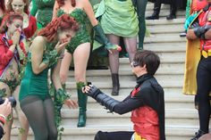 Robin proposing to Poison Ivy at SDCC