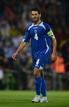 Emir+Spahic+Slovakia+v+Bosnia+Herzegovina+MhYoBUC9t24l.jpg (385×594)