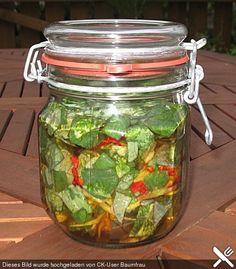Kapuzinerkresse - Essig, ein beliebtes Rezept aus der Kategorie Salatdressing. Bewertungen: 3. Durchschnitt: Ø 3,4.