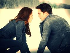 Edward and Bella Cullen in the snow...
