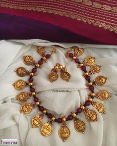 Beautiful beaded coin Lakshmi necklace to wear with a light kanjeevaram Pearl Necklace Designs, Gold Earrings Designs, Gold Jewellery Design, Bead Jewellery, Ruby Necklace, Coin Jewelry, Bridal Jewelry, Ruby Jewelry, India Jewelry