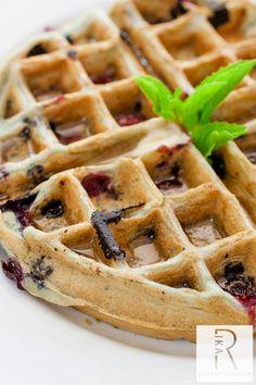 Vegan Chai & Blueberry & Raspberry Waffles | Vegan Miam