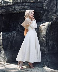 trend hijab casual muslimah - my ely Hijab Casual, Modest Fashion Hijab, Modern Hijab Fashion, Arab Fashion, Hijab Chic, Muslim Fashion, Fashion Dresses, Womens Fashion, Hijab Evening Dress