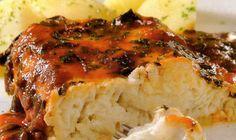 Filetes de pescado con salsa de espinaca y tomate