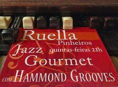 Hoje 21h convidamos você para o show do #hammondgrooves  nas quintas #jazz #gourmet @ @bistrosruella de #pinheiros. Um delicioso #menu #especial com #entrada prato principal e #sobremesa  o show em um valor único e imbatível! Saiba mais no www.ruella.com.br #hammondorgan #organtrio #jazztrio #organjazz #jazzorgan #music #musica #jazz #souljazz #groove #sonsdobrasil