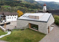 Dorfhaus St. Martin im Passeiertal, Architekt Andreas Flora, Luftbild