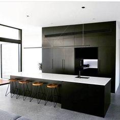Modern Black Kitchen With White Countertop Design Ideas Beautiful Kitchen Designs, Best Kitchen Designs, Beautiful Kitchens, Layout Design, Küchen Design, Design Ideas, Interior Design, Design Concepts, Modern Grey Kitchen