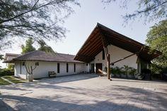 Casa en Khandala / Opolis architects