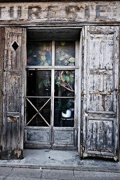 The Old Store, Villeneuve-lès-Avignon, Languedoc-Roussillon… Old Windows, Windows And Doors, Languedoc Roussillon, Shutter Doors, Portal, Shop Fronts, Old Doors, Old Buildings, Door Knockers