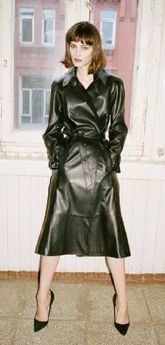 Long Leather Coat, Leather Trench Coat, Leather Skirt, Patent Trench Coats, Rain Wear, Leather Fashion, Womens Fashion, Sexy, Clothes