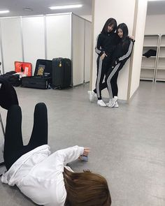 Photo album containing 5 pictures of Yujin, Eunbi