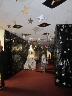 Interior Kingdom Rock Vbs Decorations With Lively Star Decoration In The Room Kingdom Rock VBS Decorations Ideas