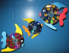 Elementary School Garden: CD Fish for Monday Made It Elementary School Garden: CD Fish for Monday Made It The post Elementary School Garden: CD Fish for Monday Made It appeared first on School Diy. Cd Fish Crafts, Cd Crafts, Arts And Crafts, Bible Crafts, Art For Kids, Crafts For Kids, Cd Art, Camping Crafts, Recycled Art