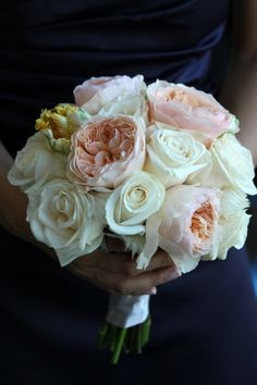 Peach and Navy:) love the bouquet!