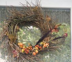 Fall Twig Wreath with Orange Berry Decorations Full View Fall Diy, Crafty Craft, Christmas Pictures, How To Make Wreaths, Winter Christmas, Grapevine Wreath, Grape Vines, Diy Tutorial, Fall Decor