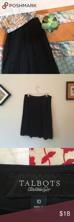 Talbots Soft Pleated Skirt Famine soft pleats on classic skirt // Excellent Condition// Length: 23 in. // Waist: 32 in. Talbots Skirts
