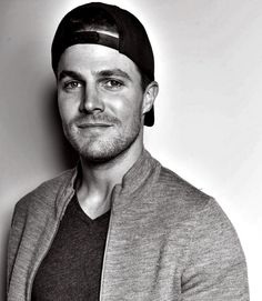 Liam O'Bradaín, Age 22, Caste Six, Mechanic [FC: Stephen Amell] (Older Brother)