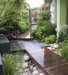 These wood walkway ideas may be exactly what you need to get your plans going in redoing your outdoor area. Either the wood walkway leads to the. Back Gardens, Small Gardens, Outdoor Gardens, Front Yard Landscaping, Backyard Patio, Landscaping Ideas, Backyard Ideas, Wood Walkway, Side Walkway