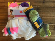 YES, YASss, YEAHhh! Thank you to the SUPERHEROS who brought in these brand spanking new socks (!!! the most needed item !!!) to donate to the Downtown Women's Center. Keep it coming! Bar Method Silver Lake will be collecting your donations until Friday, September 30th. #becomeasuperhero #downtownwomenscenter #homelessnessendshere #socksarethemostneededitem #donatetoday #supportLOCALwomen #buildingcommunity #bethechangeyouwanttoseeintheworld