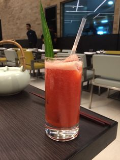 The increasing temperature outside calls for some cool fun on the inside.  The non-alcoholic Tokyo Cooler is a fusion of complementary colours & flavours Tokyo Cooler @ Yauatcha, kolkata