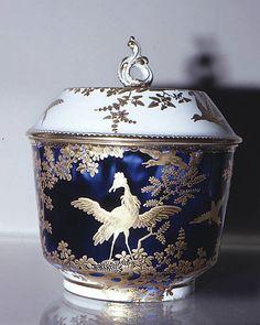 Chelsea porcelain  - Sugar bowl (part of a service)