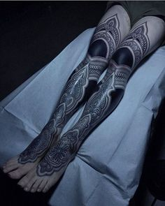 These tattoos are usually found on older and young females. Tattoos on this particular part of the rear are very popular that Black Tattoos, Body Art Tattoos, Girl Tattoos, Sleeve Tattoos, Tattoos For Women, Tatoos, Tattooed Women, Mehndi Tattoo, Mandala Tattoo