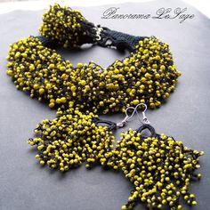 Rosa Naszyjnik szydełkowy z koralikami drobnymi multi kolor Biżuteria szydełkowa Panorama LeSage Anna Grabowska koraliki szydełko small glass beads crochet necklace handicraft