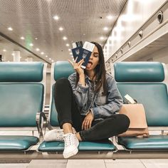 Ideas for airport travel photos - Summer Custom Photos Tumblr, Picture Poses, Photo Poses, Girl Photography Poses, Travel Photography, Pixel Photography, Photography Training, Photography Exhibition, Grunge Photography