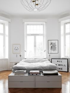 The Stockholm home of a fashion stylist. Scandinavian Home, Minimalistic and Simple. White and Black. Cozy - Home Decor Idea Dream Bedroom, Home Decor Bedroom, Bedroom Ideas, Master Bedroom, Light Bedroom, Bedroom Simple, Minimal Bedroom, Bedroom Rustic, Stylish Bedroom