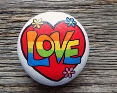 Love Heart Painted Rock,Decorative Accent Stone, Paperweight by HeartandSoulbyDeb on Etsy Rock Painting Patterns, Rock Painting Ideas Easy, Rock Painting Designs, Painted Rocks Craft, Hand Painted Rocks, Painted Pebbles, Peace Painting, Stone Painting, Stone Crafts