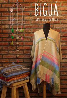 Ruana en colores pasteles. Una prenda tradicional para un look urbano #telar #tejido