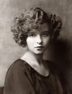 Clara Bow, 1921 (first professional photo)