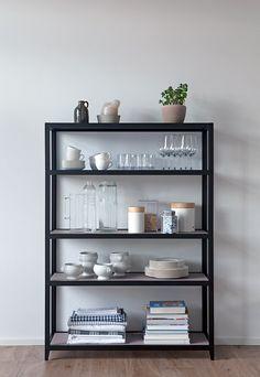 VEIT. Das Möbel-Design-System. Charmantes Understatement in Kombination mit kraftvoller Eleganz und einem Schuss High-Tech. Das sind die Design-Möbel von VEIT. Individuelle Gestaltung. Premium Qualität. Smartes Design. Made in Germany. Designed by Johannes Ernst. Jetzt modulare Sideboards & Regale gestalten auf veitdesign.com  #furniture_design #interior #living #design #inspiration #modular #minimal #veit