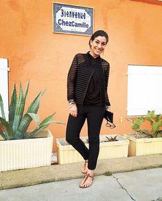 Look: blusa e calça em malha Angela Motta, casaquinho Printing de BH, bolsa Chez Dédé, rasteirinha Rondini, anel e brinco Maxior por Consuelo Blocker