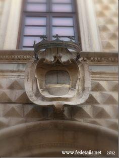 L'entrata del Palazzo dei Diamanti ( dettaglio fregio superiore ), Ferrara, Emilia Romagna, Italia - The entrance to the Palazzo dei Diamanti ( upper frieze detail), Ferrara, Emilia Romanga, Italy - Property and Copyrights of www.fedetails.net