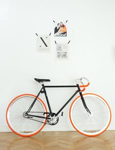 Fixie / Retro Look Velo Retro, Velo Vintage, Vintage Bicycles, Fixi Bike, Fixed Gear Bicycle, Bicycle Art, Retro Bicycle, Velo Design, Bicycle Design