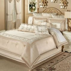 47 romantic and elegant bedroom decor ideas 43 ⋆ All About Home Decor Elegant Home Decor, Comforter Sets, Luxury Bedroom Design, Bed Comforters, Luxurious Bedrooms, Bed Linens Luxury, Luxury Bedding Sets, Elegant Bedroom Decor, Luxury Bedding