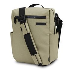 The Pacsafe Intasafe Z250 anti-theft guide bag has Slashguard Straps and Slashguard body.