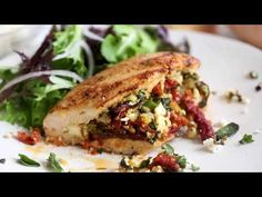 Baked Spinach Stuffed Chicken Breasts with Sun-Dried Tomatoes and Feta Cheese are high in protein and low in carbs – a filling meal in one! New Recipes, Dinner Recipes, Cooking Recipes, Healthy Recipes, Favorite Recipes, Recipies, Feta Chicken, Spinach Stuffed Chicken, Healthy Stuffed Chicken