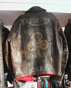 Triumph Leather Jacket, Motorcycle Leather, Vintage Leather Jacket, Biker Leather, Motorcycle Style, Motorcycle Outfit, Biker Style, Leather Men, Leather Jackets