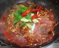 끝내주는 맛!! 만물상 이보은 황태콩나물찜 만들기 Home Food, Japchae, Food And Drink, Beef, Cooking, Ethnic Recipes, Meat, Kitchen, Brewing