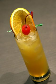 Harvey Wallbanger #topcocktailrecipes #vodkacocktails