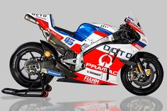 Pramac Racing Ducati MotoGP Photo by Pramac Racing on January 2016 at 2016 Pramac Racing unveil. Browse through our high-res professional motorsports photography Ducati Motogp, Ducati Motorcycles, Racing Team, Road Racing, Course Moto, Super Images, Audio, Speed Bike, Super Bikes