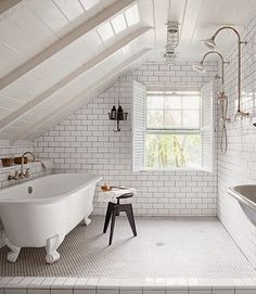 i'd live here...M O N D A Y S - bathroom renovation