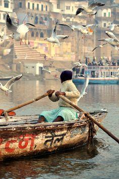 on the Ganges, Varanasi) - - India Goa India, Taj Mahal, Varanasi, Agra, Grande Route, Places To Travel, Places To Visit, Pakistan, Mother India