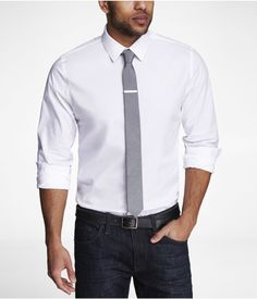 Express Mens Fitted Stretch Cotton Shirt True White Button Down Shirt Medium Mens Fashion Blazer, Preppy Mens Fashion, Mens Fashion Week, Latest Mens Fashion, Classic White Shirt, Classic Man, Wedding Shirts, Menswear, Mens Tops