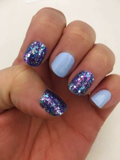 Mardi Gras with Aspen Sky is a stunning combination! #nails #nailart #nailpolish #naildesign #manicure #colorstreet #lookoftheday #glitternails #blue